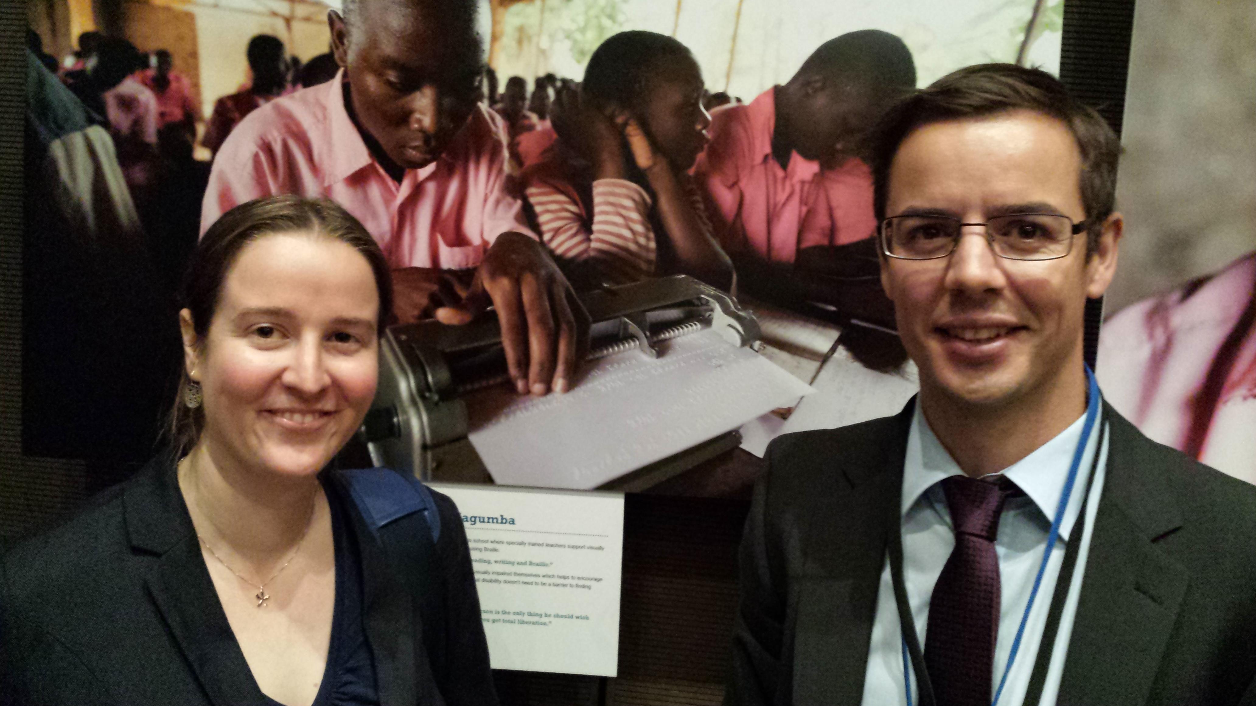 Die beiden offiziellen NGO-VertreterInnen in der Österreichischen Delegation, Magdalena Kern von Licht für die Welt und Daniel Bacher von der Dreikönigsaktion